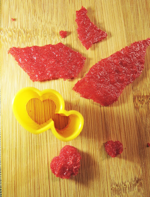 Coeurs en sucre coloré pour la Saint-Valentin
