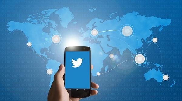 Hacker Gabungkan Kode Foto dan Twitter untuk Menyerang Korbannya