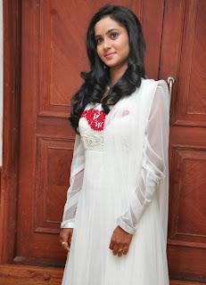 actress sravani hot photo in a black salwar