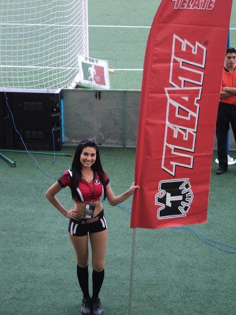 Chicas Sexys Tecate estadio Omnilife