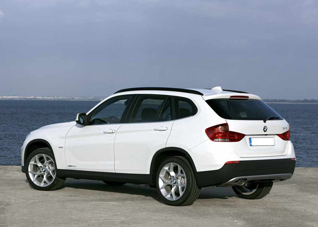 new sport cars review and specifications bmw x1 2011 review. Black Bedroom Furniture Sets. Home Design Ideas