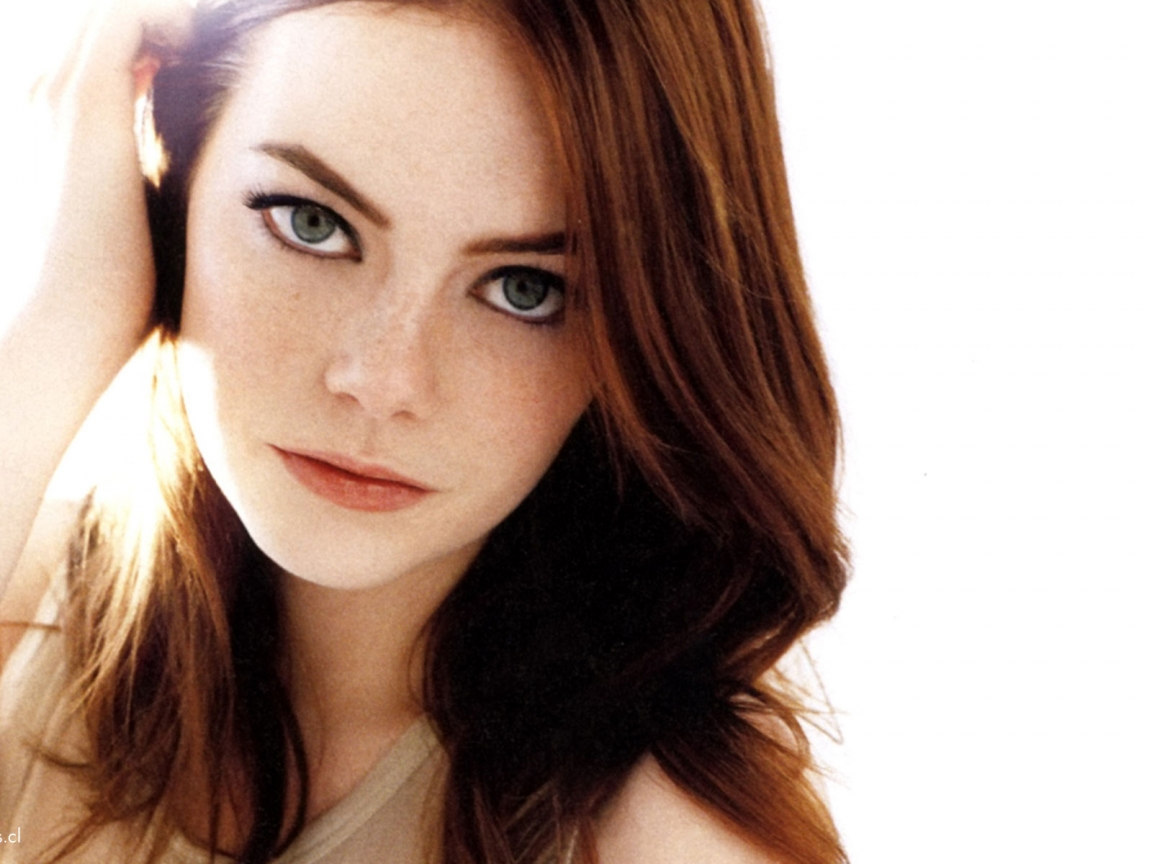 http://3.bp.blogspot.com/-J9og2OqzaTQ/TpfuEv6m-kI/AAAAAAAAItw/qIOwXf4XxAA/s1600/emma-stone-hot-seductive-green-eyes-hd-desktop-wallpaper-screensaver-background.jpg