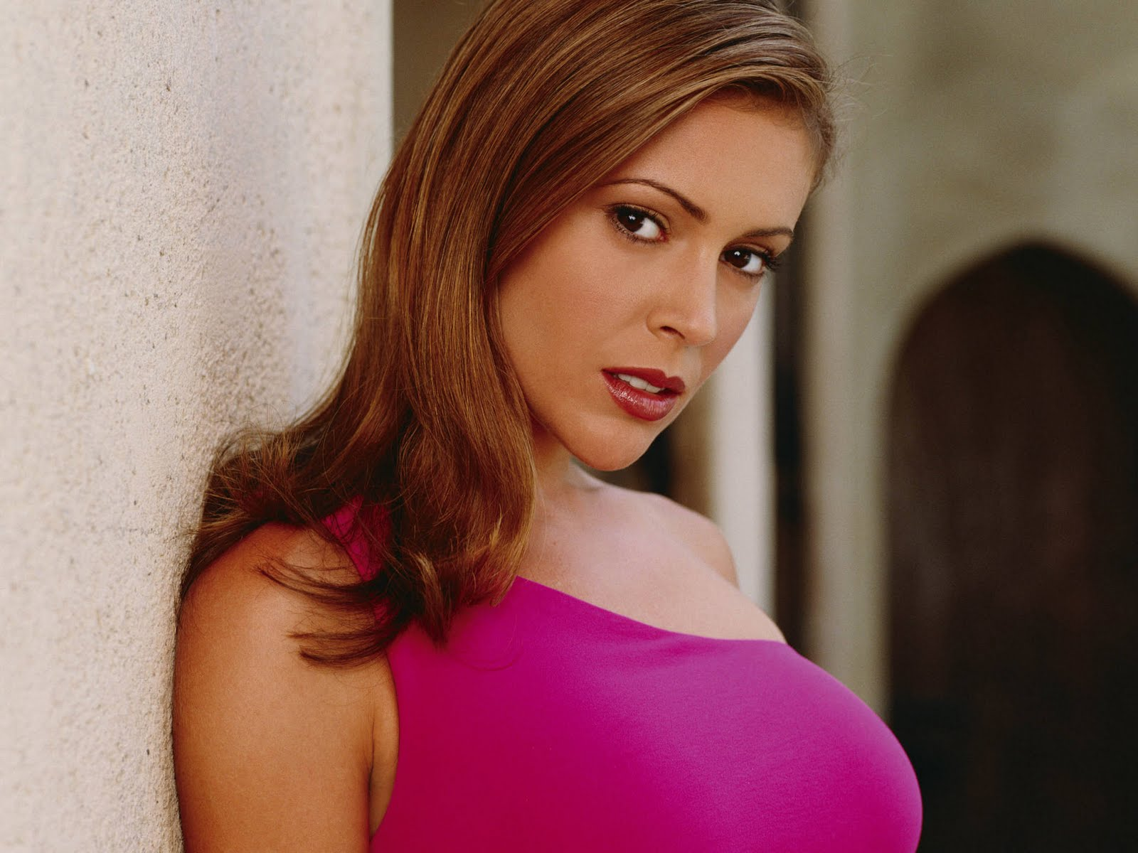 Alyssa milano porn pictures needs treatment