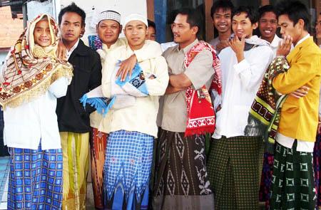 Sejarah Asal Mula Sarung di Indonesia