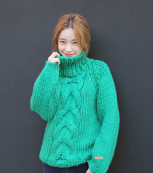 Twist Center Accent Turtleneck Sweater