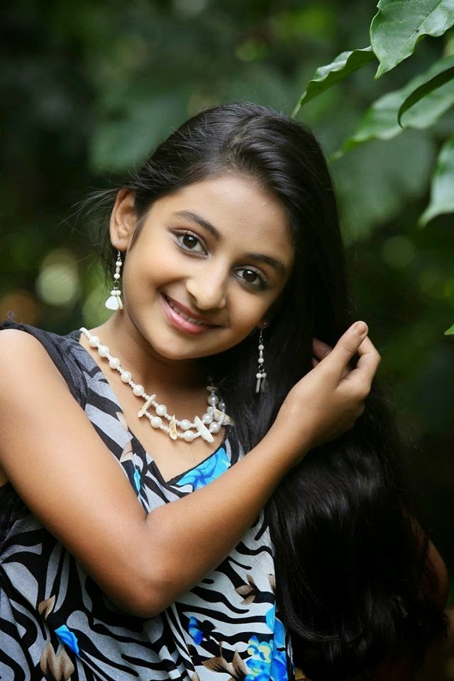 "Drishyam Fame Little Girl ""Esther Anil"" Personal Photos ..."