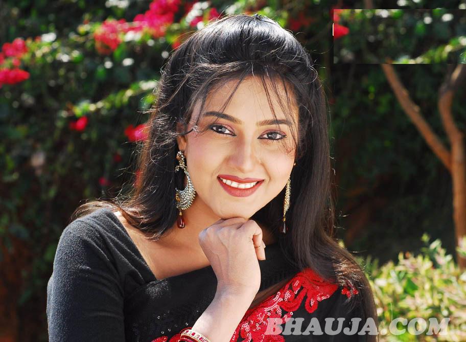 barsha priyadashini sweet smile