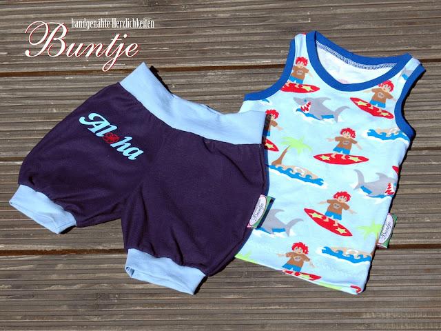 kurze Hose Pumphose Marina MaThiLa Freebook MiniSun Sommertop Racerneck Junge nähen Buntje Surfer hellblau blau Aloha Hawaii Hibiskus
