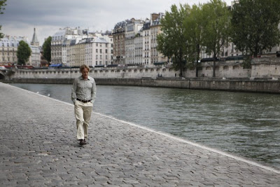 Owen Wilson walking in Midnight in Paris
