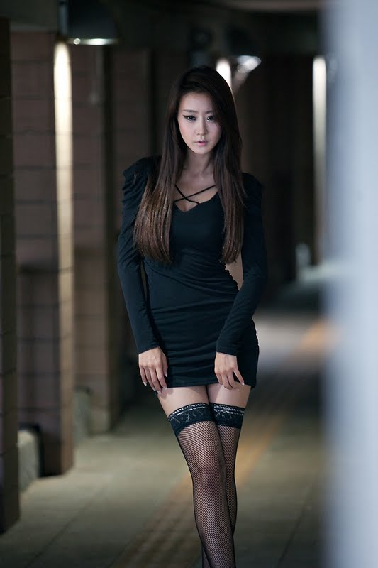 Park Hyun Sun Sexy in an Underpass