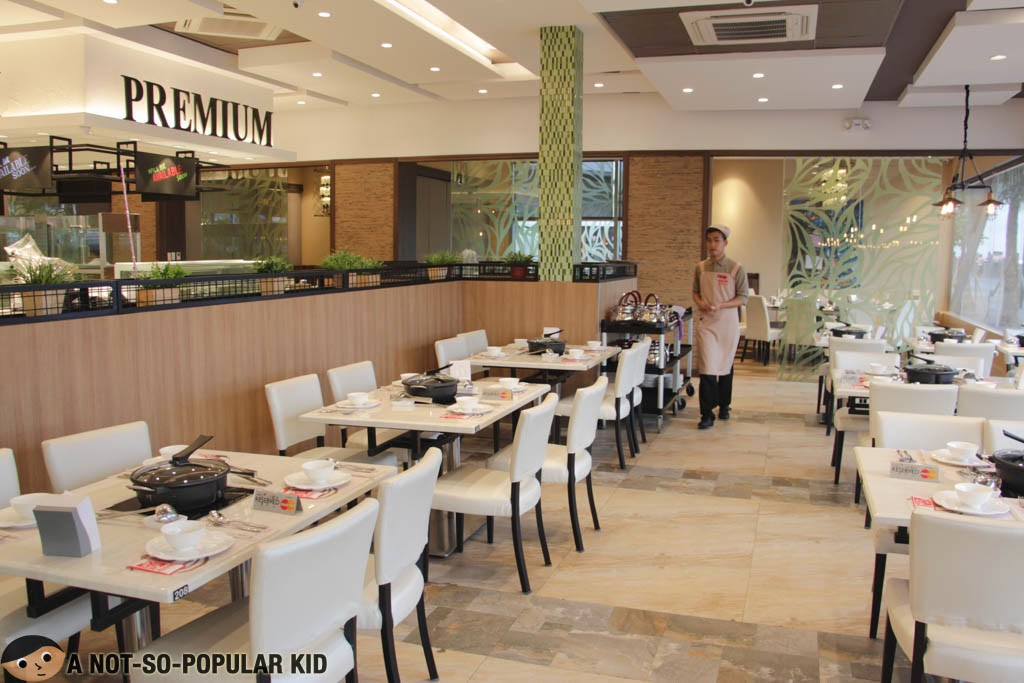 Four Seasons restaurant and its modern interior