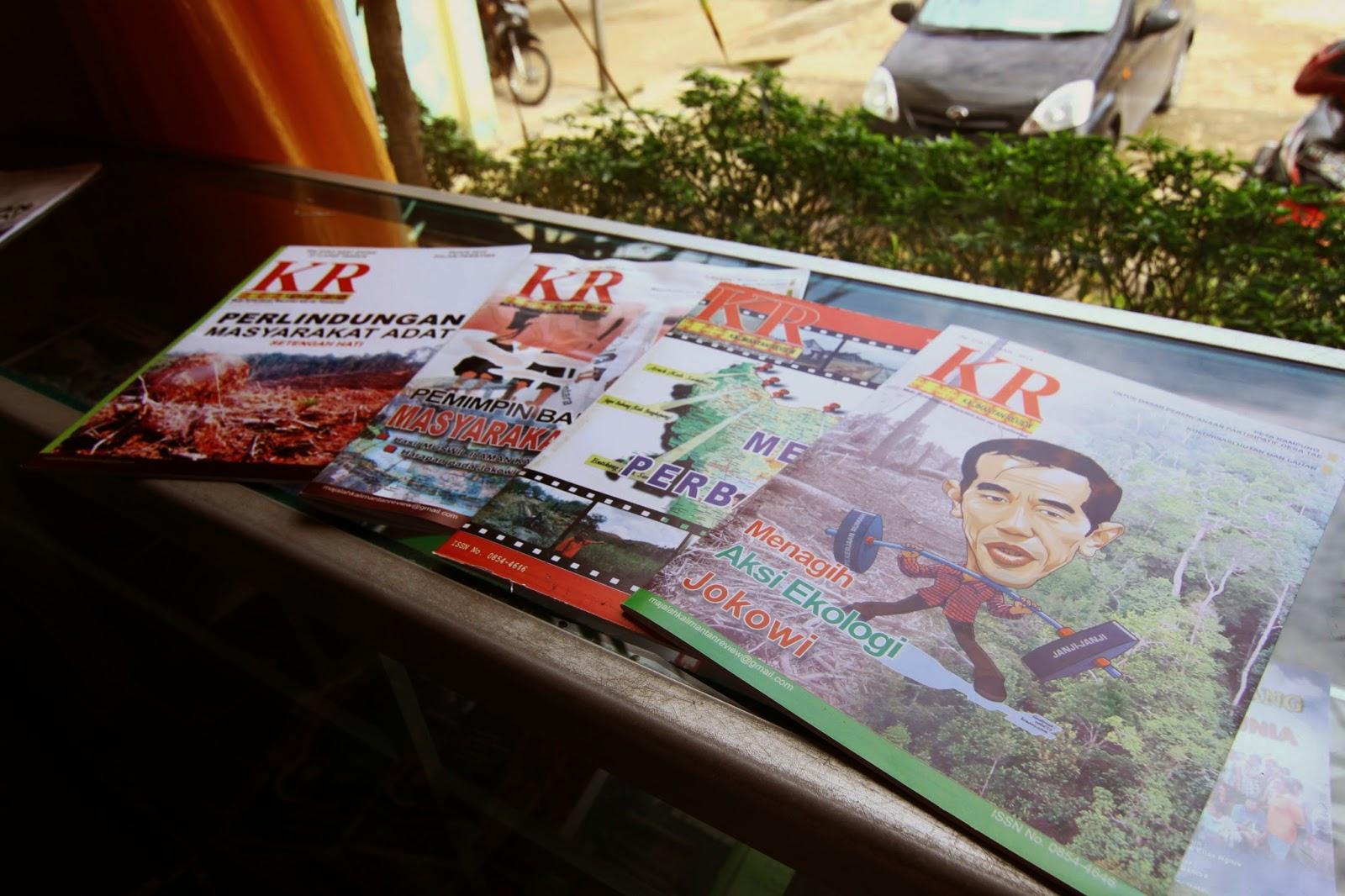 Majalah Kalimantan Review yang diterbitkan oleh Institut Dayakologi