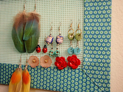 DIY ear ring rack She Knits in Pearls