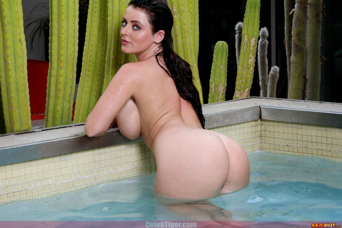 Busty+Babe+Sophie+Dee+Wet+In+Pool+Taking+Off+Her+Blue+Bikini+Posing+Naked www.CelebTiger.com 85 Busty Babe Sophie Dee Wet In Pool Taking Off Her Blue Bikini Posing Naked HQ Photos