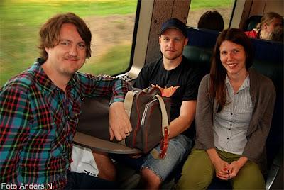 olofströmare, på tåg, tågpassagerare, olofström, kyrkhult, pearl jam, köpenhamn, copenhagen, 2012, foto anders n, tsyfpl