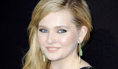 Abigail breslin at award ceremony black transprant dress