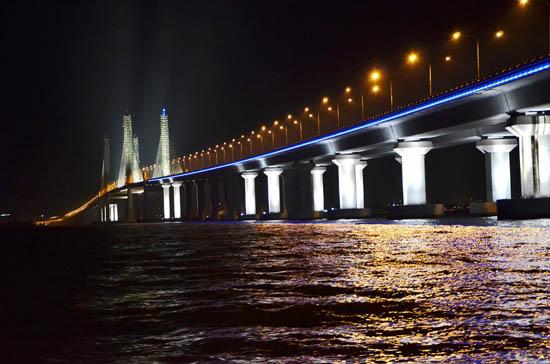 Gambar Jambatan Kedua Pulau Pinang waktu malam