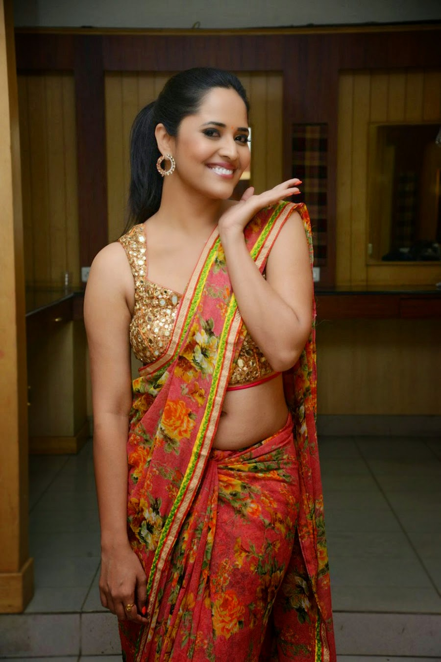 Anchor Anasuya Hot Navel Show Photos - Bollywood Stars