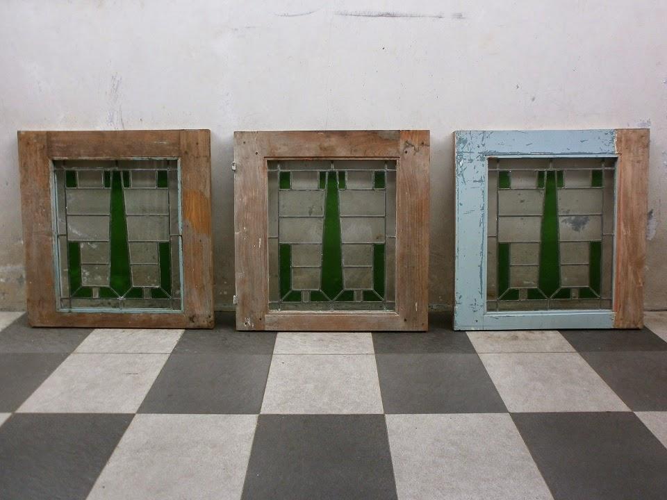 antikpisan kaca patri antik eks jendela rumah kuno sold
