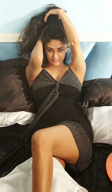 Meera Chopra HD Wallpaper