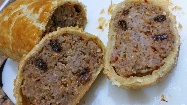 SPICY LAMB SAUSAGE ROLL