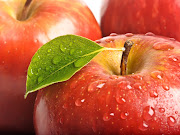 Red Apples Water Drops Close Up HD Wallpaper (red apple yellow leaf water drops close up hd wallpaper naturewallbase)