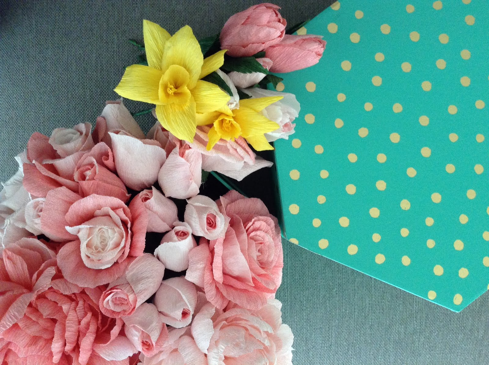Crepe Paper Spring Tulip Tutorial By Roya Carte Fini