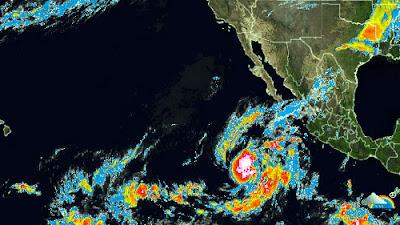 Huracán Paul categoría 2, avanza hacia Baja California Sur, 15 de Octubre 2012