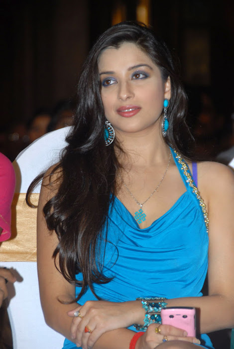 madhurima at mahankali audio launch, madhurima new cute stills