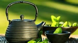 Khasiat dan manfaat mengkonsumsi teh hijau