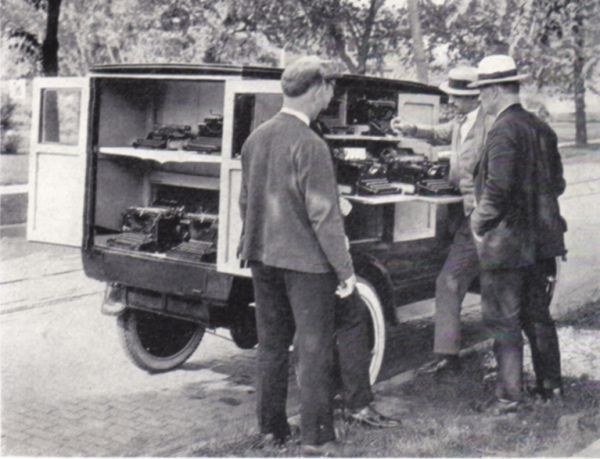1922 Travelling Typewriter Salesman