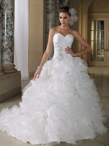 Gorgeous Ruffled Style Wedding Dress