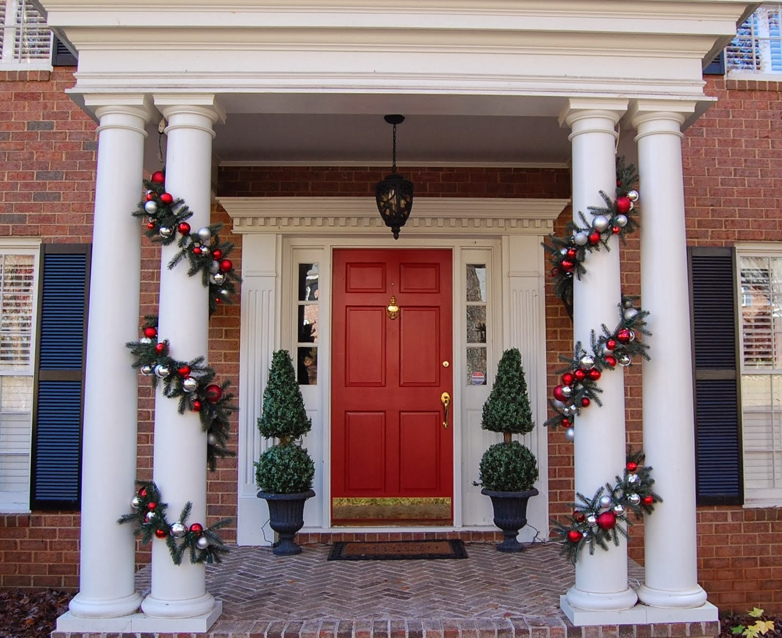 Front Door Christmas Decorating Ideas 1600 x 1305 · 300 kB · jpeg