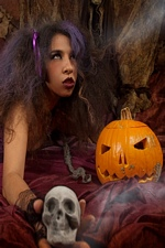 Creepy & Freaky Idoia shows us her shaved pussy in Halloween night - Magic Erotica
