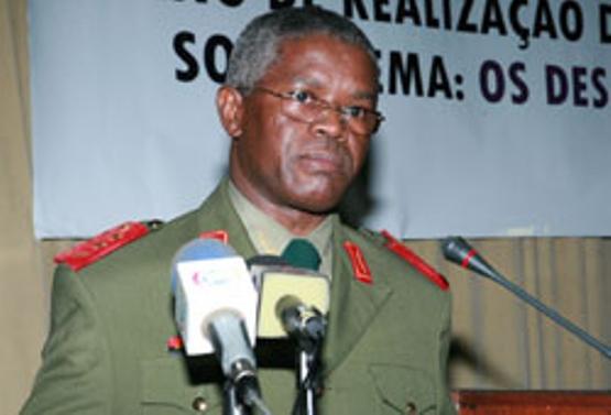 Angola: CASA MILITAR FICOU COM 25 MILHÕES DE DÓLARES DOS MILITARES