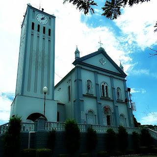 Igreja Matriz São Pedro e São Paulo, em Nova Roma do Sul - Torre à esquerda.