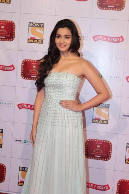Alia Bhatt At The Red Carpet Of Stardust Awards 2013