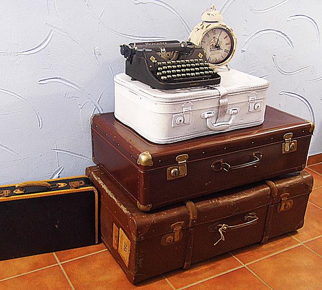 Gernewieder gbr alte koffer - Alte koffer dekorieren ...