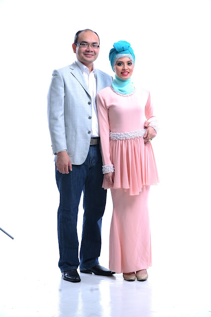 Online entrepreneur Adibah Karimah and hasbi photoshoot by Hafiz Atan