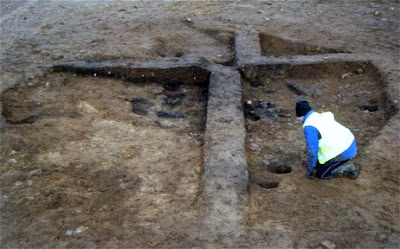 Scottish dig unearths '10,000-year-old home'