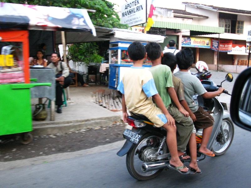Safety Riding Jawa Tengah: Sosialisasi UU Lalu Lintas No