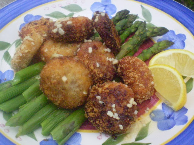 ... scallops with herb butter pan sauce sea scallops with asparagus sauce