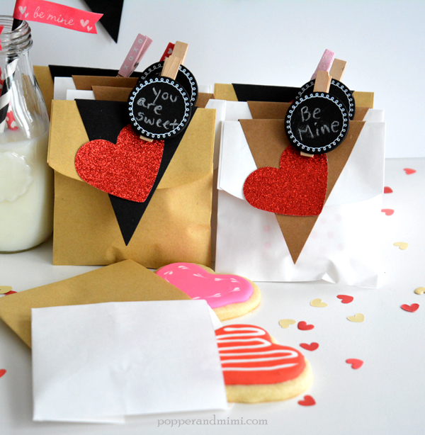 Valentine's Day cookie treat bags made with @target #OneSpotValentine goodies by @americancrafts