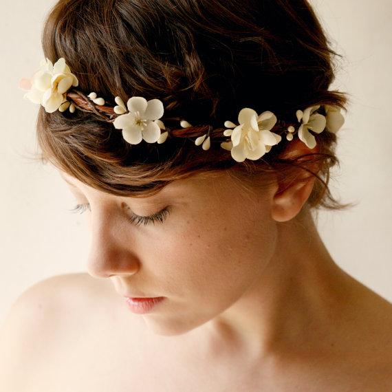 esta corona se puede hacer utilizando lavanda en flor preservada