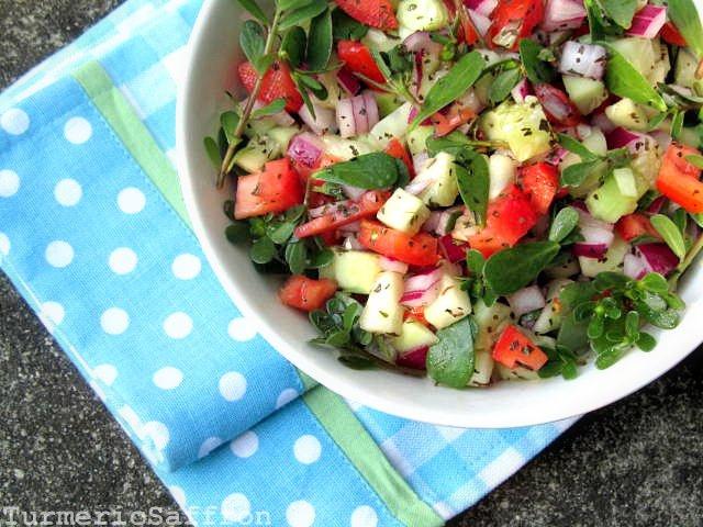 Turmeric & Saffron: Salade Khorfeh - Shirazi Style Purslane Salad