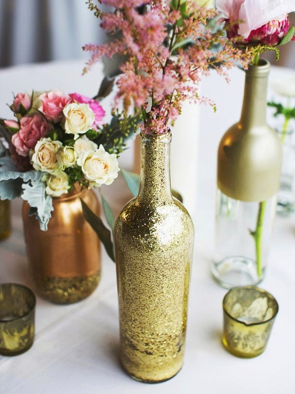 Wedding centerpieces from glass bottles do it
