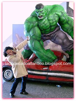 Incrível Hulk do pavilhão de Ciências da Cidade das Artes e Ciências, Valência, Espanha.