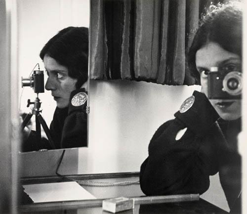 Auto-retratos ao espelho de fotógrafos famosos - Ilse Bing