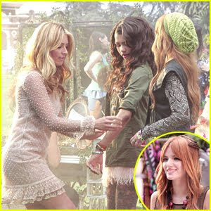 Zendaya & Bella Thorne - The Same Heart