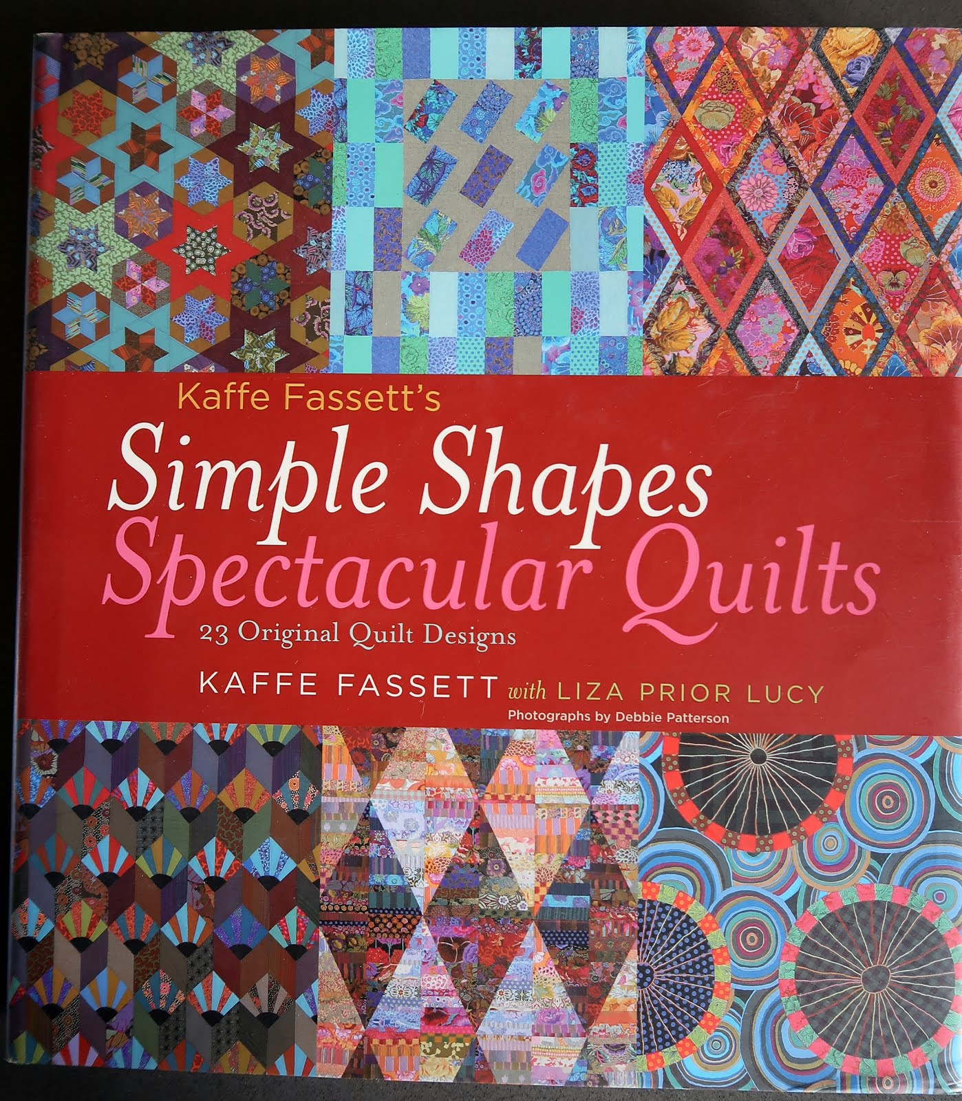 Kaffe Fassett's Simple Shapes, Spectacular Quilts (click!)